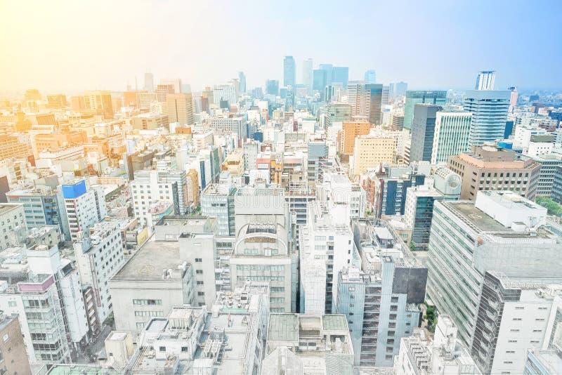 Panoramische moderne cityscape de bouwmening van Nagoya, Japan Illustratie van de mengelings de hand getrokken schets stock afbeeldingen