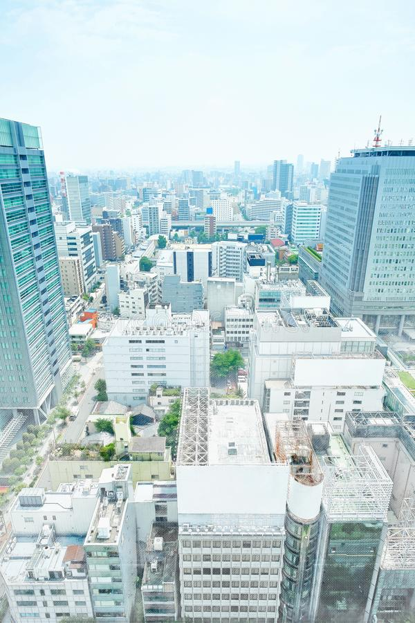Panoramische moderne cityscape de bouwmening van Nagoya, Japan Illustratie van de mengelings de hand getrokken schets stock fotografie