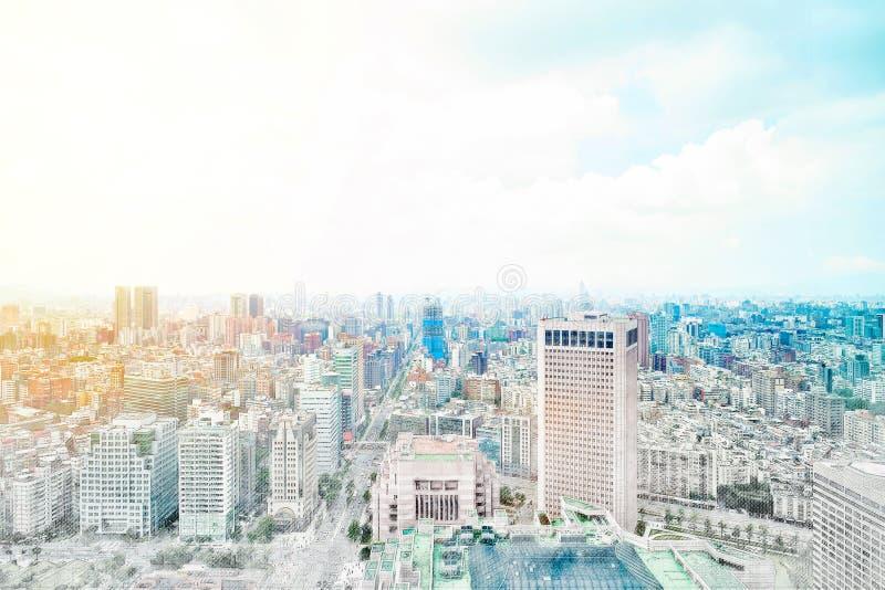 Panoramische moderne cityscape de bouwmening van Taipeh, Taiwan Illustratie van de mengelings de hand getrokken schets royalty-vrije stock afbeeldingen