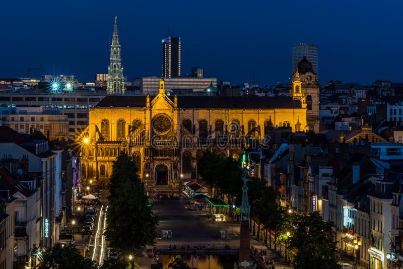Panoramische nachtmening van de Stad van Brussel stock foto