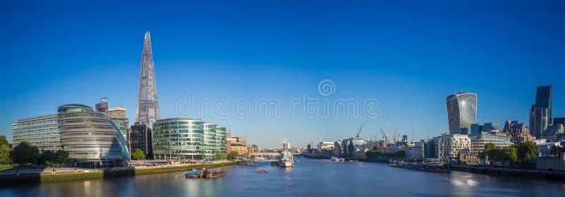 Panoramische Skyline geschossen von London, Großbritannien stockfotografie