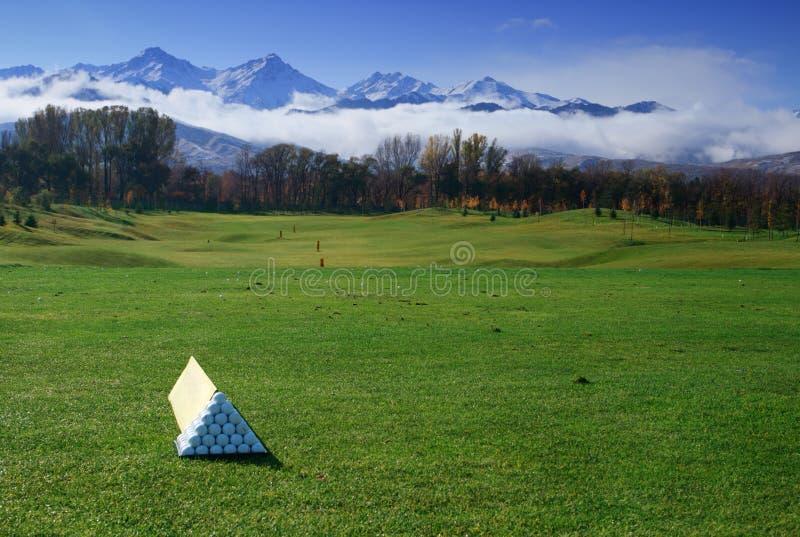 Panoramische Szene des Golfplatzes stockfoto