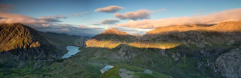 Panoramische Tryfan stock afbeelding