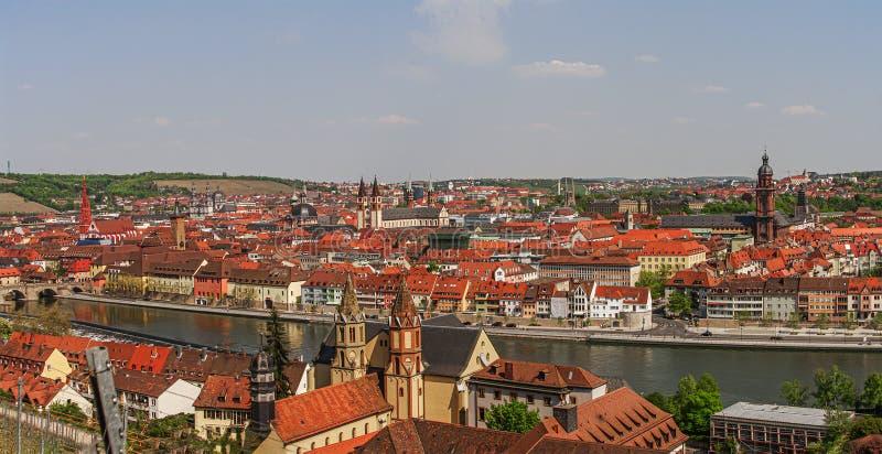 Panoramische vogelmening van stad van Wurzburg en het centrum de van de binnenstad, oude, Beieren, Duitsland, de zomertijd stock afbeelding