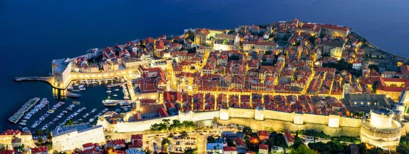 Panoramische Vogelperspektive alter Stadt Dubrovniks lizenzfreie stockfotografie