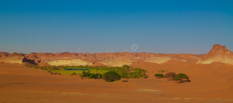 Panoramische Vogelperspektive zur Boukkou Seegruppe Ounianga Serir Seen Tschad stockfotos
