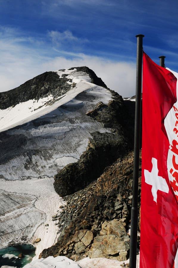 Panoramischer Bergblick von der Spitze von Piz Corvatsch im Schalter stockfoto