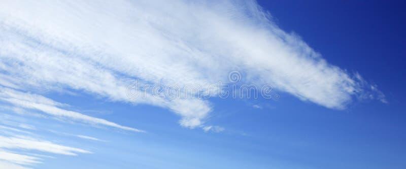 Panoramischer Himmel und Wolken stockfoto