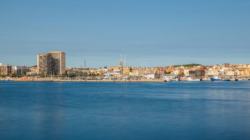Panoramisches Bild von einer kleinen touristischen Stadt in Spanien, Palamos, L stockbilder