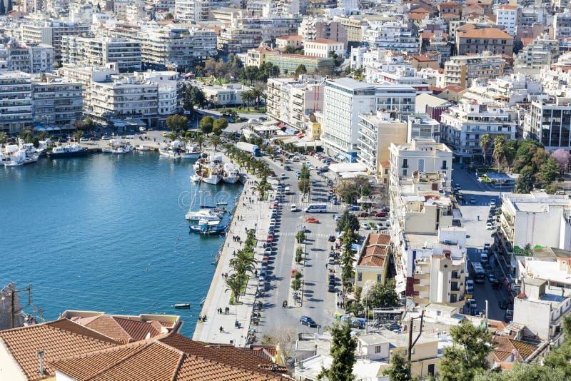 Panoramisches Stadtbild von Kavala, Griechenland von oben lizenzfreies stockbild
