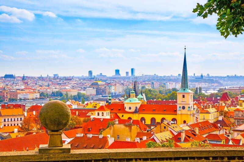 Panoramisches vew von Prag stockfotografie
