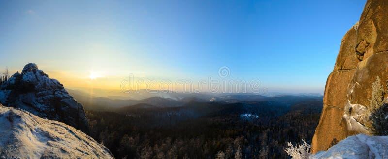 Panoramomening in de Nationale Reserve van Stolby, Krasnoyarsk stock fotografie