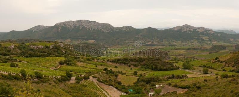 Panoramy obszar wiejski wschodni Pyrenees Francja fotografia stock