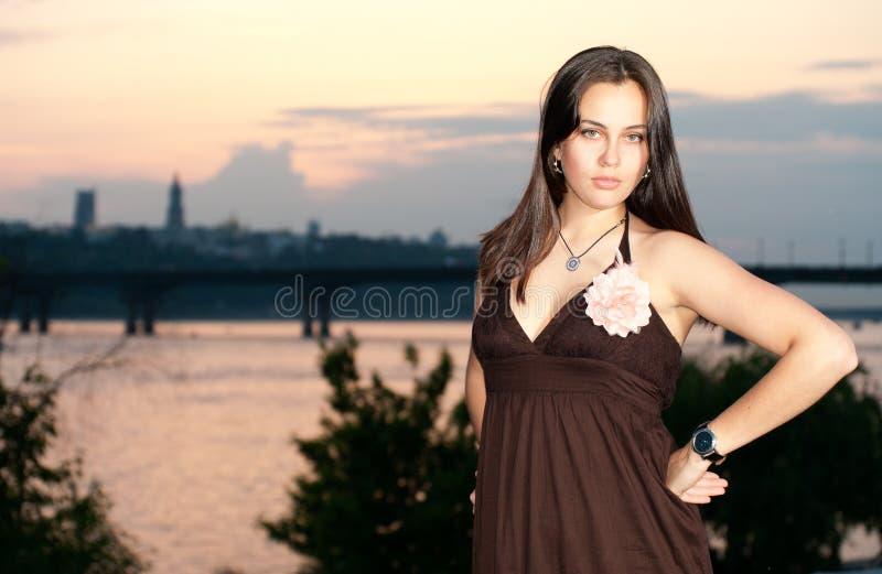 panoramy zmierzchu kobiety potomstwa zdjęcia royalty free