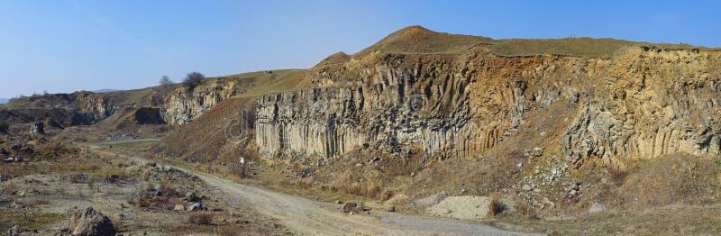 Panorma de las columnas del basalto de Racos foto de archivo libre de regalías