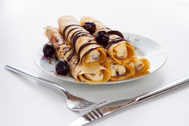 Download Panqueca Doce Com Molho De Chocolate Imagem de Stock - Imagem de bolo, forquilha: 29846229