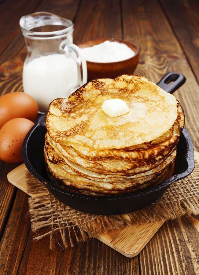 Download Panquecas caseiros imagem de stock. Imagem de lunch, wooden - 65579925