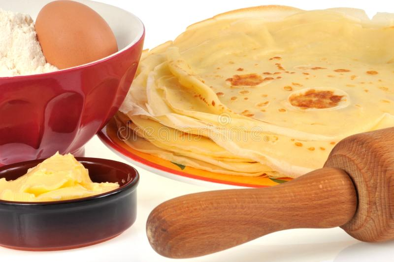 Panquecas caseiros com seus ingredientes no close-up imagens de stock royalty free