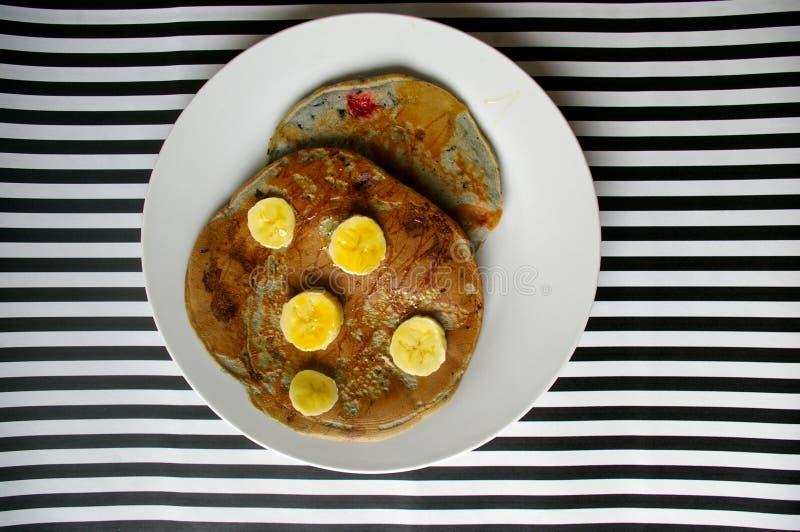 Panquecas/pães de minuto saudáveis do mirtilo foto de stock