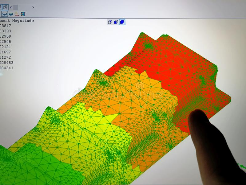 Pantalla de ordenador con resultado del análisis de elemento finito imagen de archivo