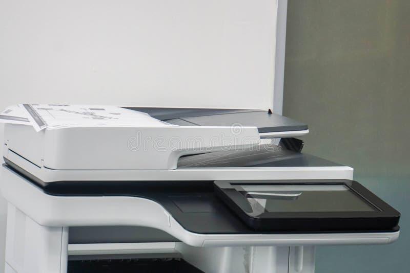 Pantalla táctil de la impresora de oficina para que propósito multifuncional imprima, explore, copie y envíe el envío por fax imagen de archivo