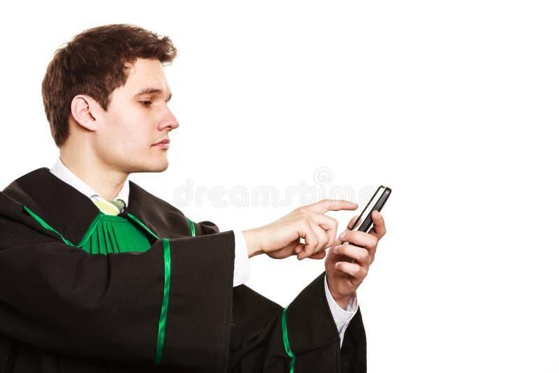 Pantalla táctil del smartphone del uso del abogado imágenes de archivo libres de regalías