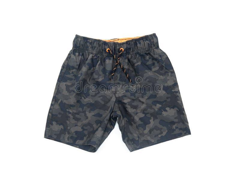 Pantalones cortos que nadan para el muchacho del color militar foto de archivo