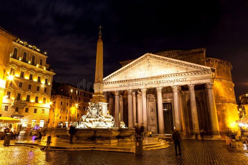 Panteão na noite, Roma fotos de stock