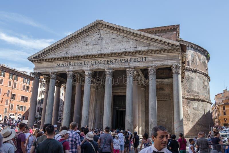 Panteon - forntida romersk monument arkivfoto