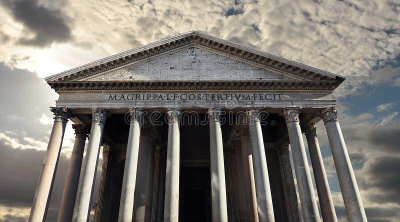 Panthéon, temple romain aux dieux de Rome antique images stock