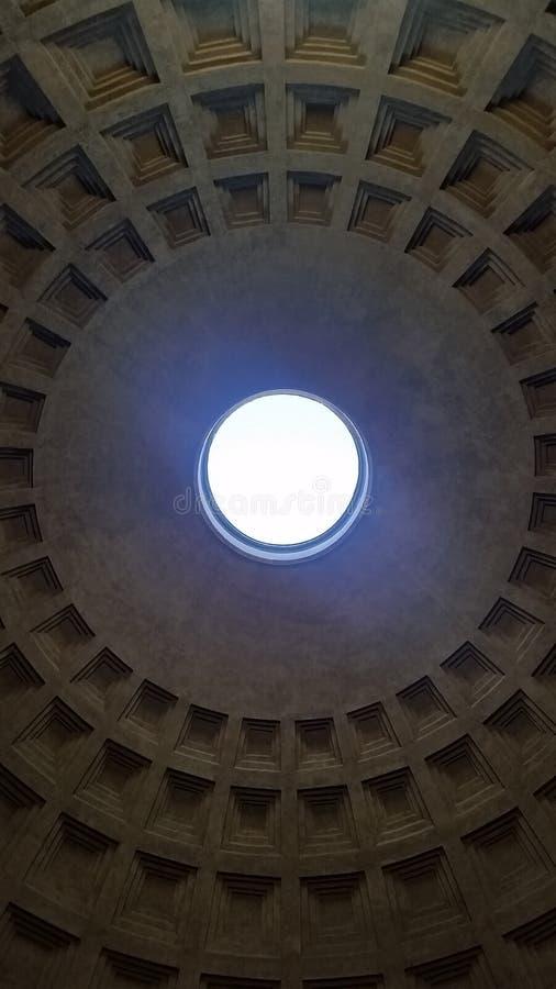 Pantheon von unterhalb lizenzfreies stockbild