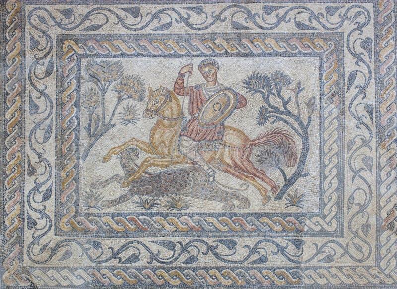 Pantherjäger römisches Mosaik oder Venatio lizenzfreie stockfotos