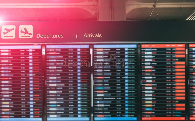 Pantone 2019 του πίνακα πληροφοριών στον αερολιμένα στοκ φωτογραφίες