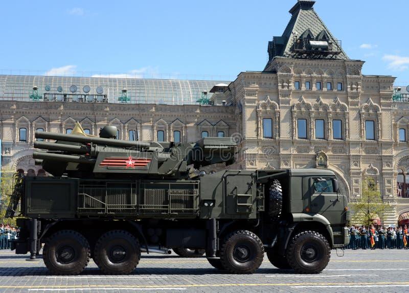 Pantsir-S1 sa-22 `-Windhond ` is plotseling gecombineerd aan middellange afstands grond-lucht raket en luchtafweerartilleriewapen royalty-vrije stock foto's
