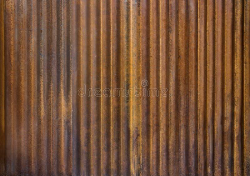 Panwiowy cynku ogrodzenie z starym ośniedziałym nawierzchniowym brązem dla backg zdjęcie royalty free