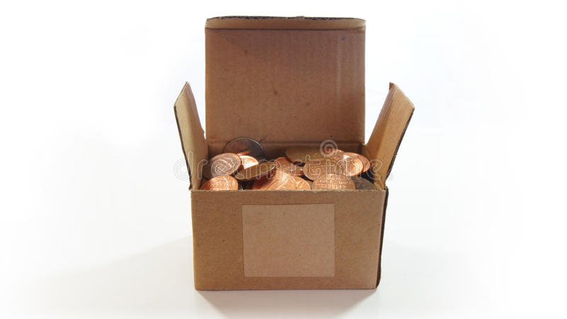 Panwiowy karton otwarty z amerykaninem jeden centu monety inside na białym tle obraz stock