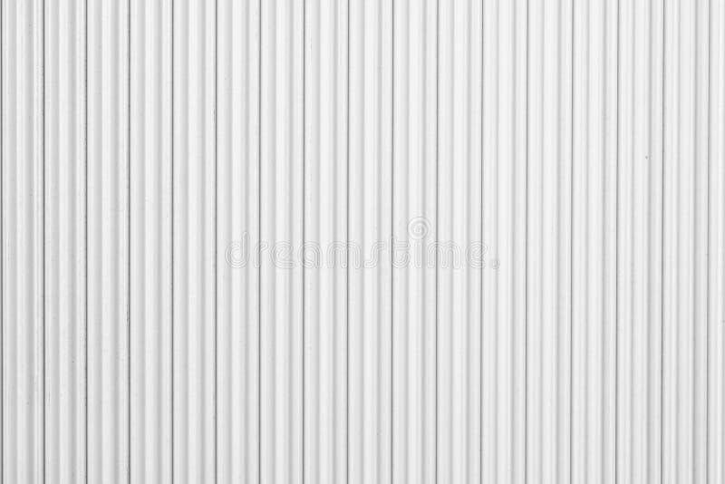 Panwiowy metalu prześcieradło, biały obruszenia drzwi, rolkowa żaluzi tekstura zdjęcie stock