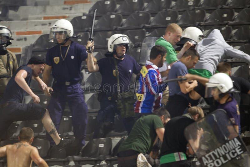PAOK против быстрых бунтов футбольного матча стоковое фото
