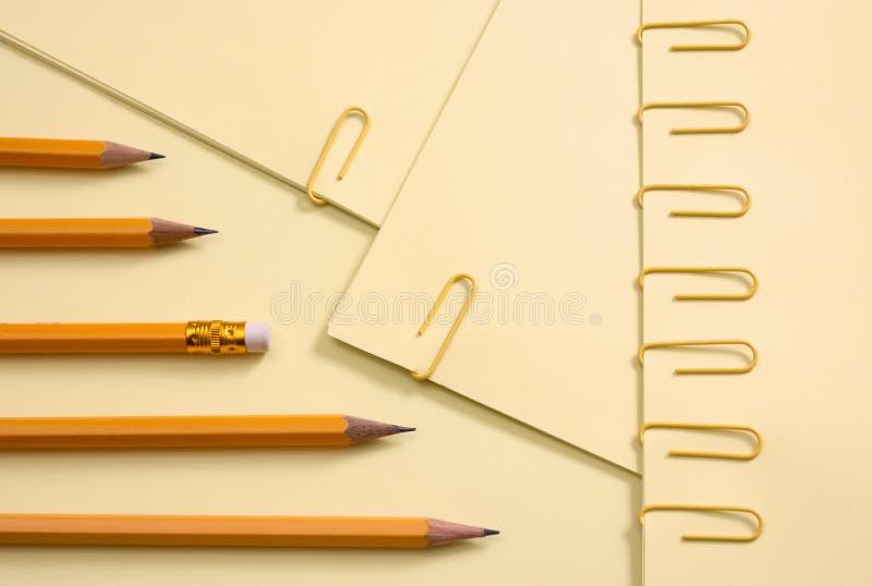 Papéis coloridos foto de stock