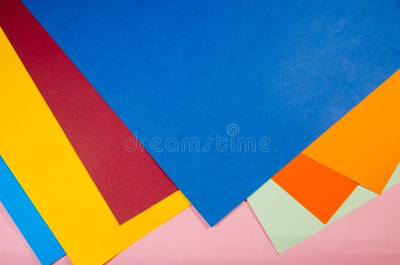 Papéis coloridos em uma pilha imagem de stock royalty free