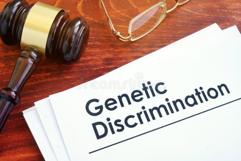 Papéis sobre a discriminação genética fotografia de stock royalty free