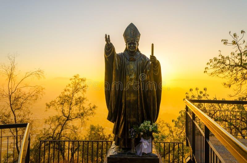 Papa Estátua no Santiago, o Chile fotografia de stock