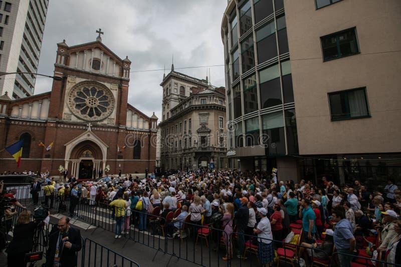 PAPA FRANCIS VISITS ROMANIA fotografia stock libera da diritti