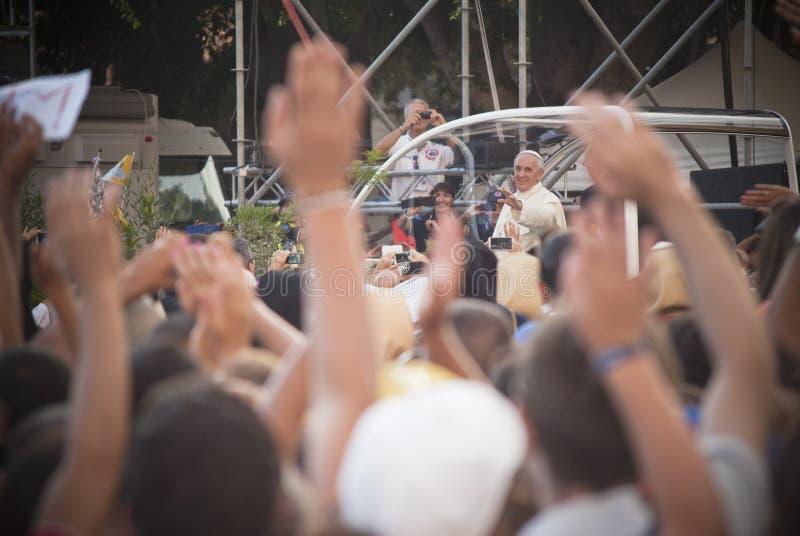 Papa Francisco visita Cagliari foto de archivo