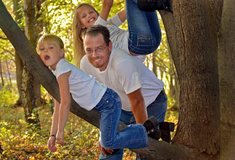 Papa met dochters royalty-vrije stock foto's