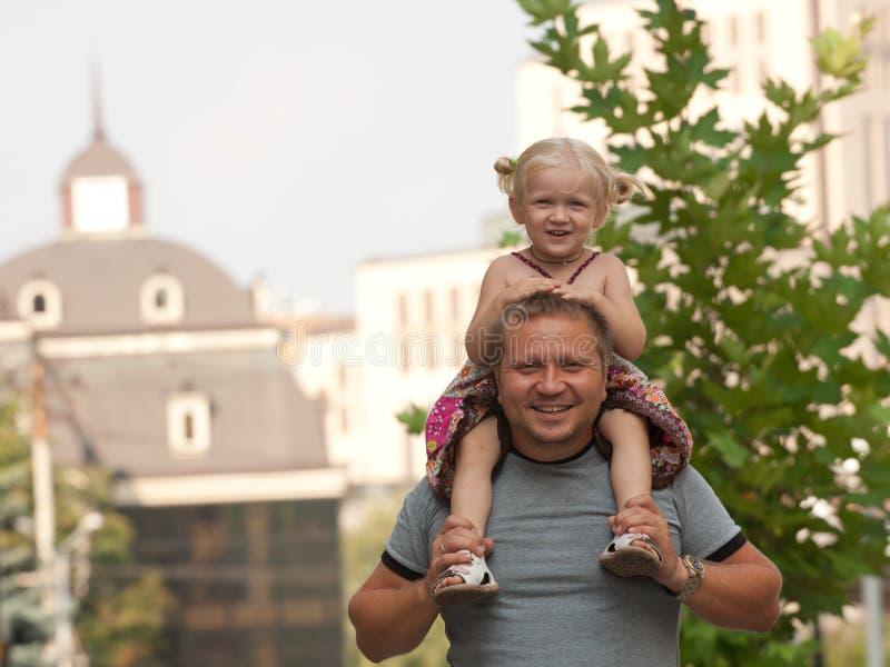 Papa und Tochter stockbild