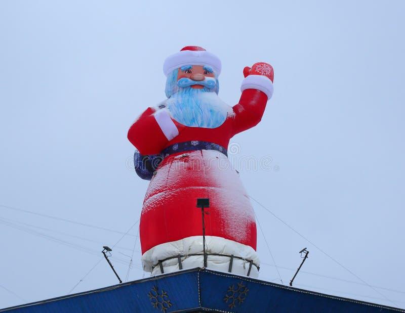 Papai Noel no telhado foto de stock