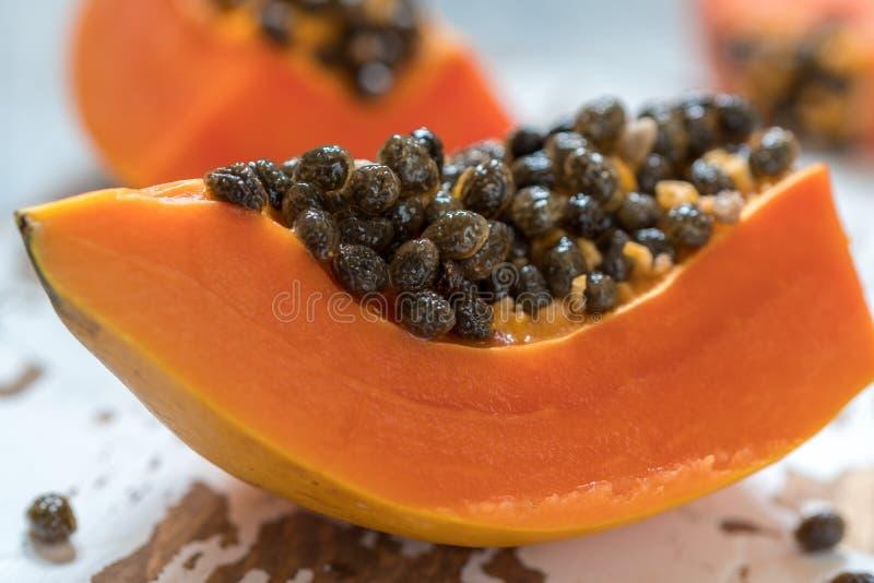 Papaia fresca e saporita fotografia stock libera da diritti