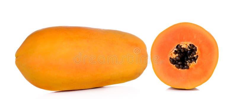 Papaya amarilla aislada en el fondo blanco foto de archivo