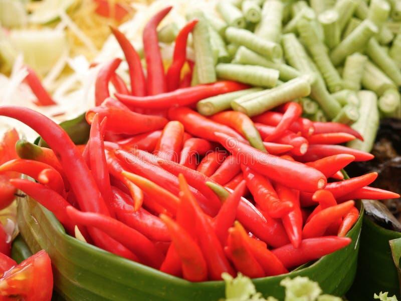 Papayasallad eller Somtum, thail?ndsk mat arkivfoto